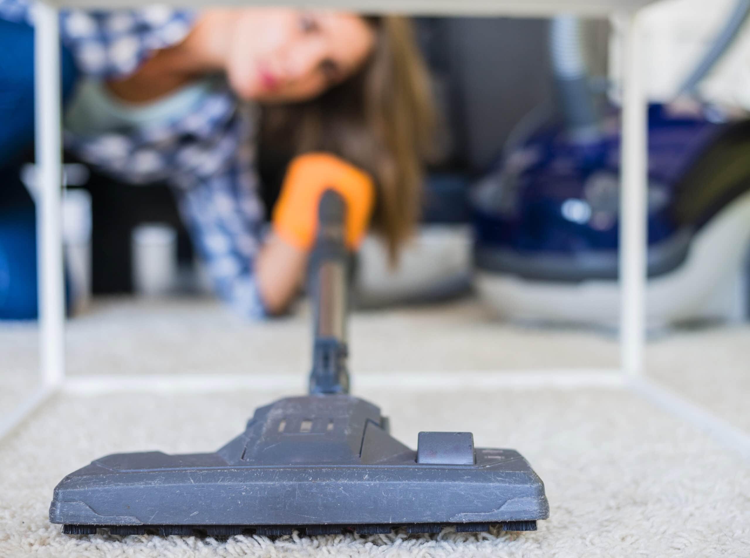 A importância de realizar regularmente a limpeza de carpete