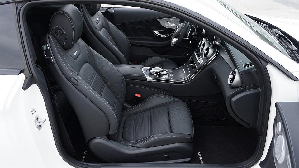 Interior do carro. como tirar mau cheio do carro