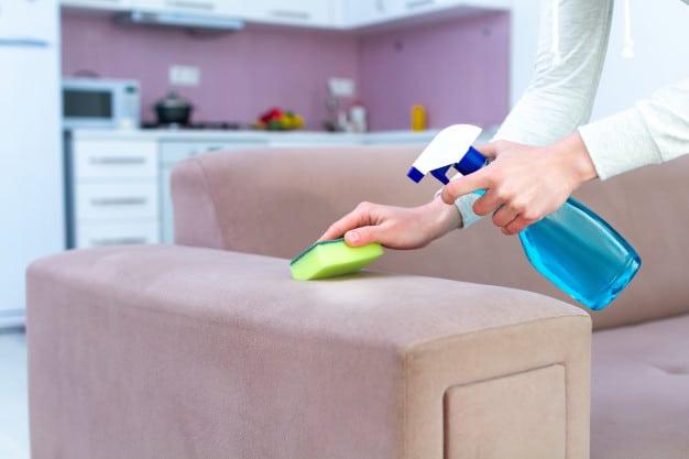 Limpar sem danificar: cuidados para estofados, colchões e + superfícies