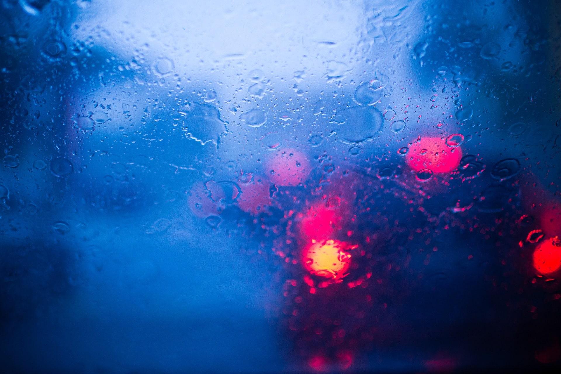 Como se livrar da mancha de vidro automotivo?
