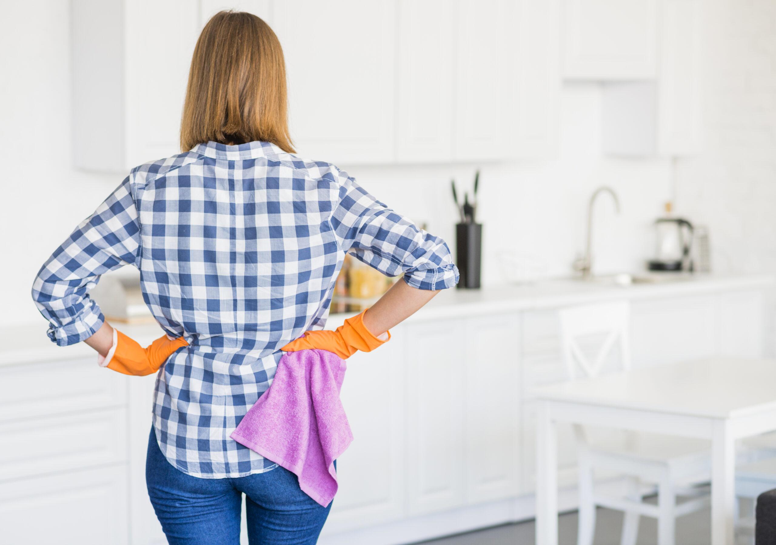 5 dicas caseiras para limpeza de estofados e tapetes
