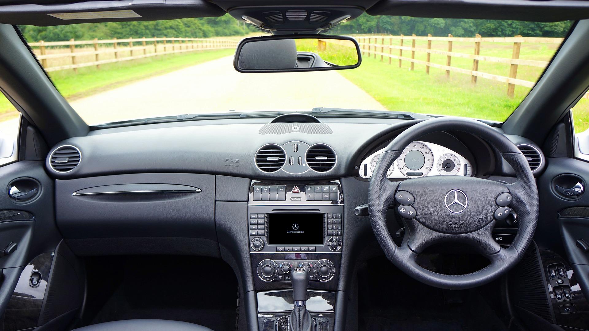 Limpeza de carros por dentro: dicas eficientes de higienização