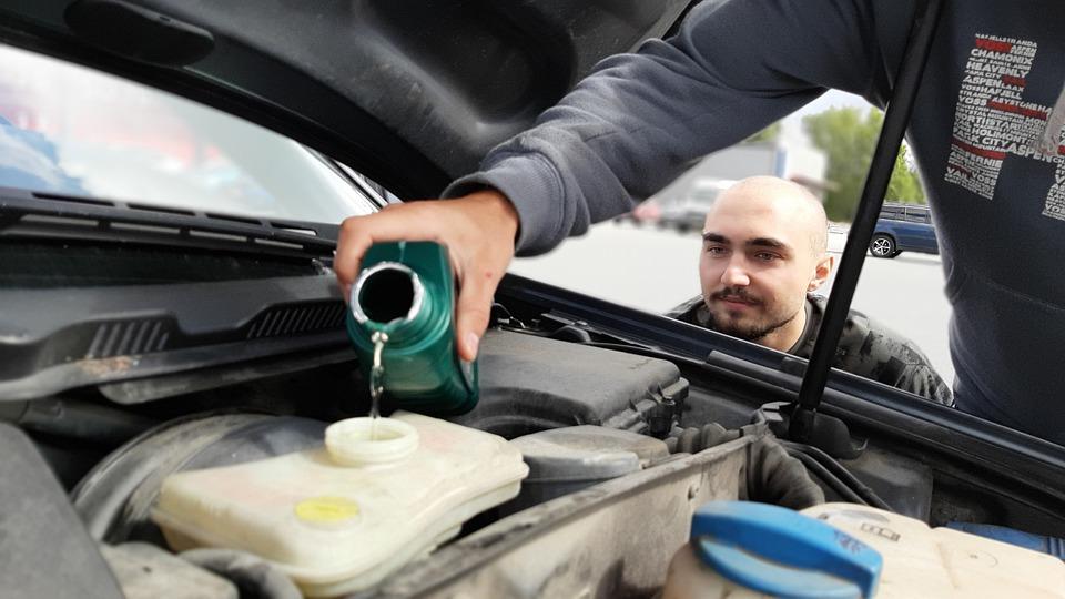 Limpeza técnica de motor a seco: veja as vantagens para o seu veículo